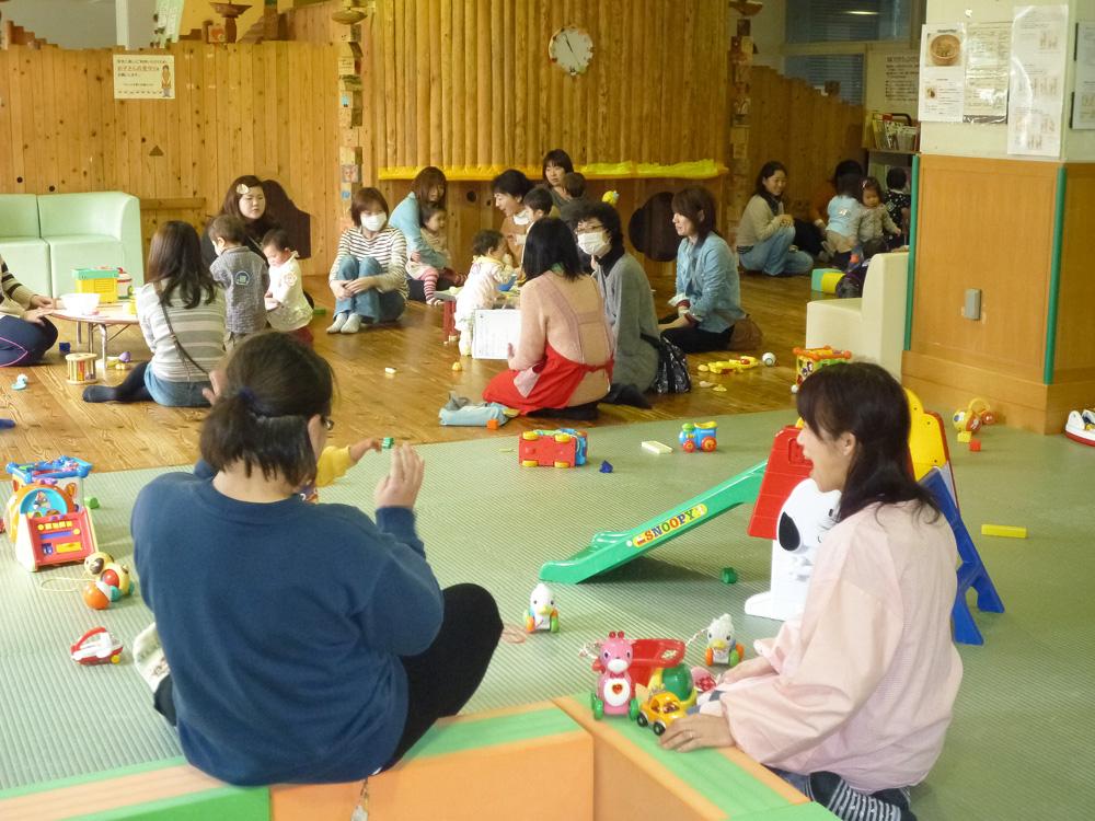 マロニエ子育て支援センター:子育てひろばの様子